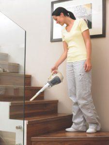 aspirateur de table black et decker dv1210ecn notre valuation. Black Bedroom Furniture Sets. Home Design Ideas