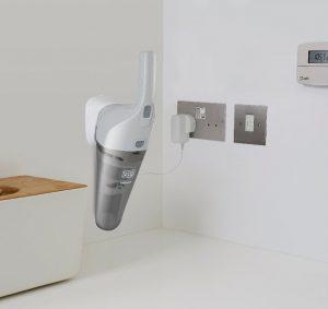 Aspirateur mur support magnétique Black et Decker NV4820N