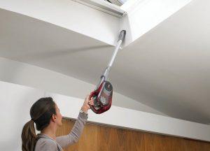 Aspirateur télescopique mur et plafond Black et Decker HVFE2150LR