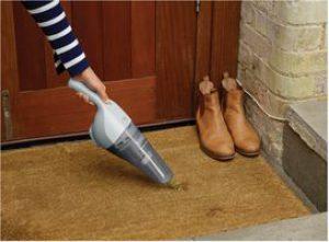 Aspirateur tapis sans fil Black et Decker NVB215W