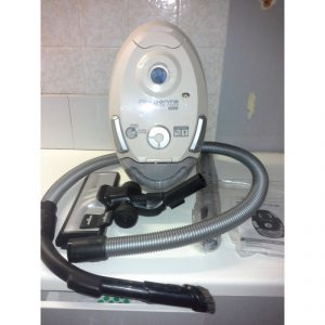 Achat aspirateur ultrasilencieux avec sac pas cher Rowenta RO4627EA