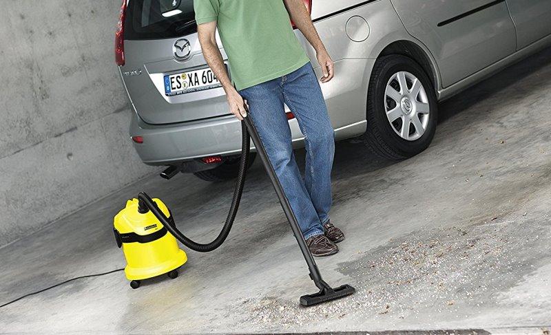 Aspirateur eau et poussière voiture et garage Kärcher WD2