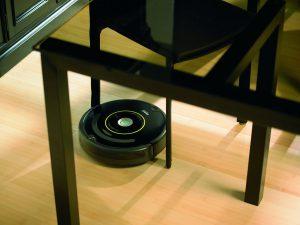 Aspirateur robot pas cher avec détecteur obstacles iRobot Roomba 650