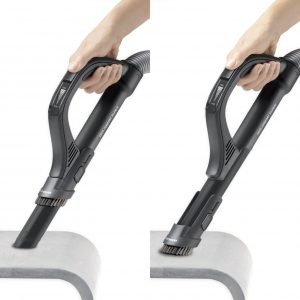 Maniement accessoires canapé aspirateur silencieux Rowenta RO5729EA Silence Force Extreme