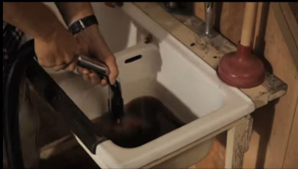 Test lavabo aspirateur eau et poussière professionnel Einhell TE-VC 2230 SA