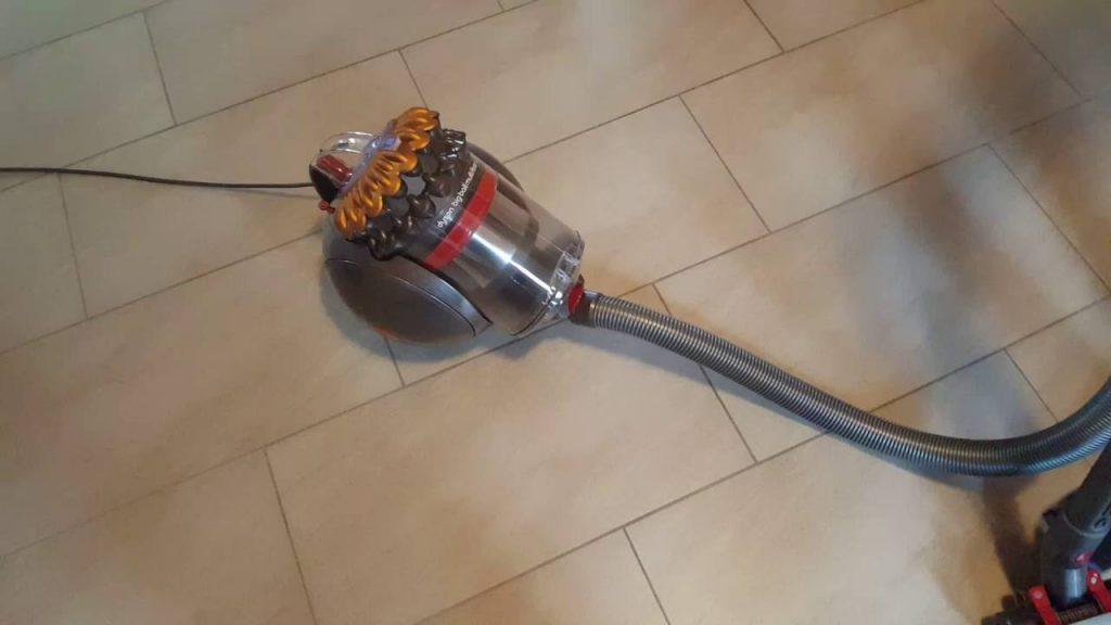 Test aspirateur puissant sans sac Dyson Big Ball Multifloor+