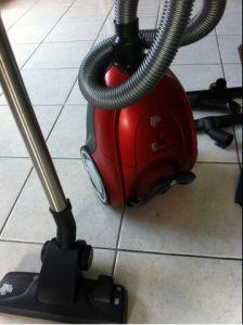 aspirateur pas cher Dirt Devil avec sac DD7274-1 Rebel 74 HFC