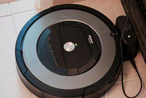 charge aspirateur robot iRobot Roomba 865