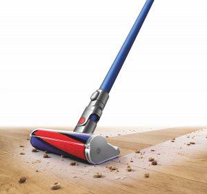 dyson v6 fluffy l aspirateur balai sp cial sols durs et nettoyage en hauteur. Black Bedroom Furniture Sets. Home Design Ideas
